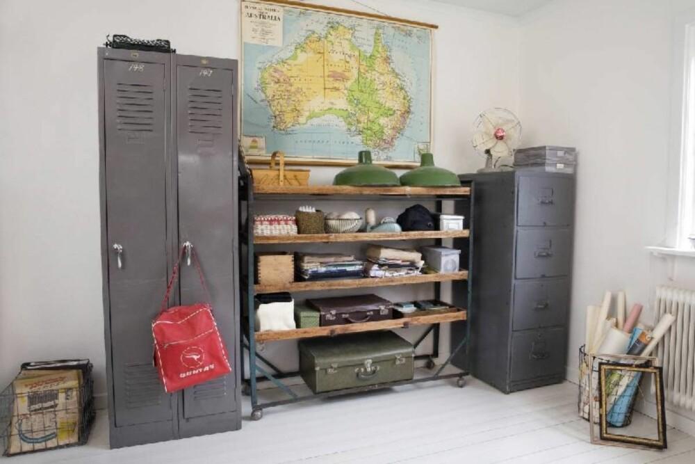 Kontoret er det rommet som bærer mest preg av familiens opphold i Australia. Det meste er fra loppemarkeder.