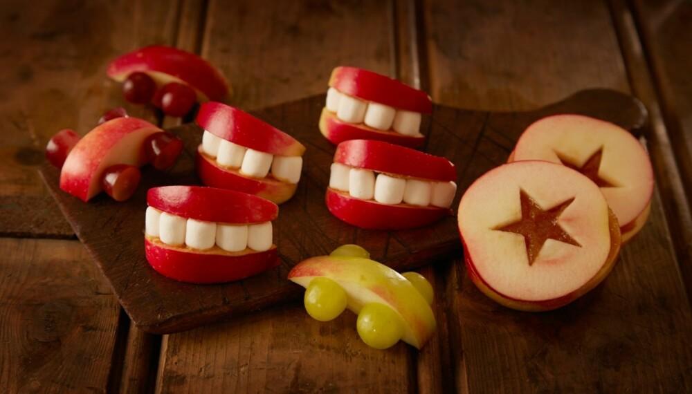 MAT TIL HALLOWEENI: Sjekk ut oppskriftene på skummel mat til halloween, samt sunnere godterier som kan serveres når kostymekledde barn ringer på døren. FOTO: Synøve Dreyer/Christine Martinsen.