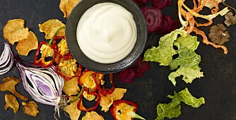 GOD SAUS: Sour-cream-saus smaker godt til for eksempel smoothie. Foto: Lisa Westgaard.