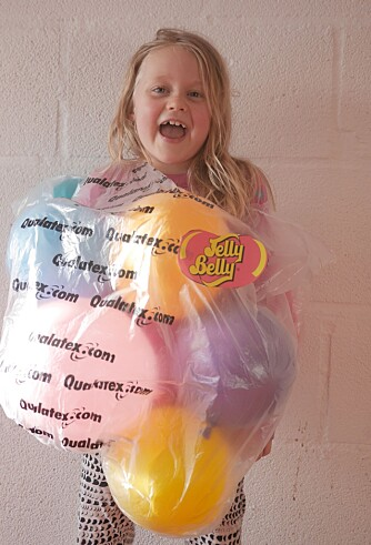 EN SØT GODTEPOSE: En pose med Jelly Beans må være det perfekte kostymet for barn som liker søtt. Foto: Per Olav Sølvberg.