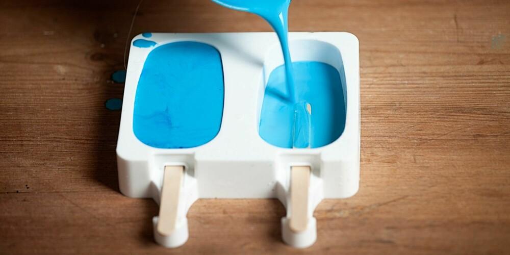 MORSOMME FORMER: Ispinne-kit kan kjøpes på de fleste hobbybutikker. Hell gipsmassen i formene og vent i tre timer før krittene kan brukes.