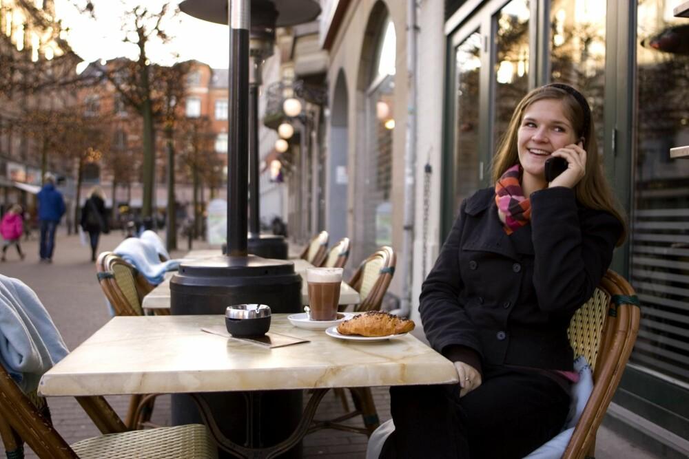 KUTT NED PÅ KAFÉBESØKENE: Å gå på kafé kan fort bli dyrt, eller å kjøpe deg mat på bakeriet hver dag.