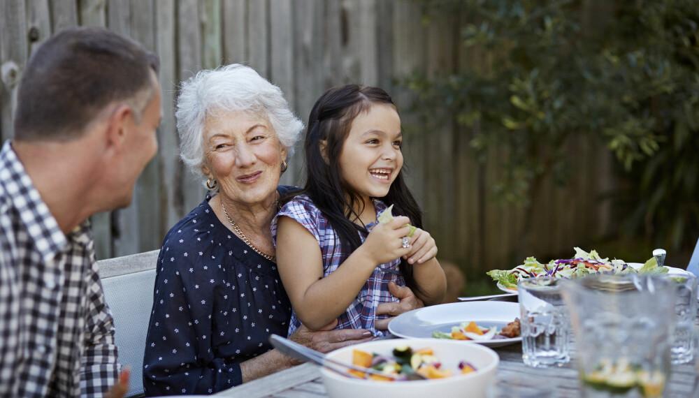 FORHOLD TIL SVIGERMOR: Forholdet mellom svigermor og svigerdatter kan være konfliktfylt, men husk at svigermor tross alt bare er en mor som vil sønnens beste.