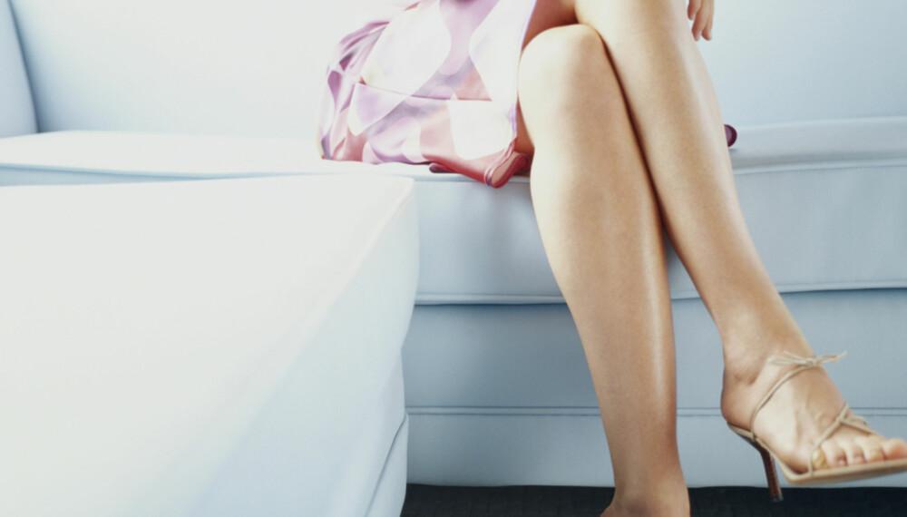 FOTEN SOVER: Noen personer er mer plaget med sovende føtter og armer enn andre. Dette kan skyldes stramme muskler rundt forløpet til blodårer og nerver.