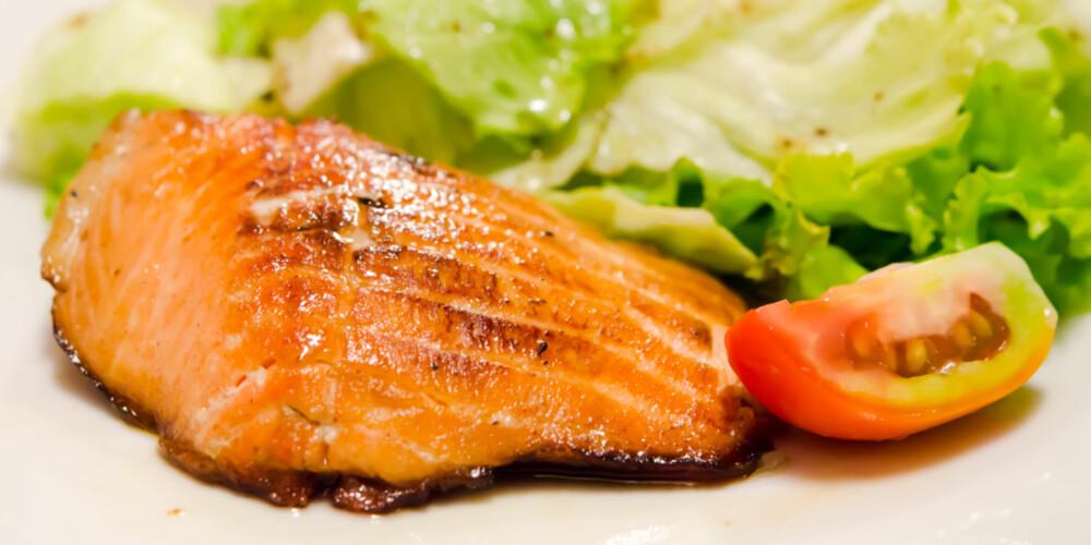 OMEGA 3: Gode kilder til sunt fett er fet fisk som ansjos, ørret, makrell og laks. ILLUSTRASJONSFOTO: Colourbox