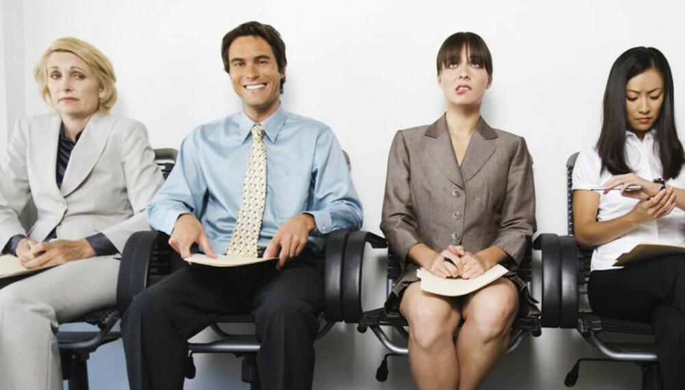 MENN VÅGER: Flere menn enn kvinner våger å søke på jobber de egentlig ikke er kvalifiserte for, mens nervøse kvinner lar være på tross av sine relevante kvalifikasjoner.