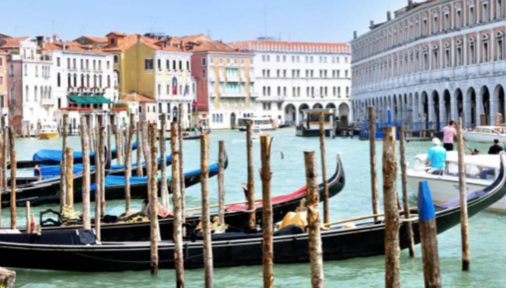 SYNKER: Vakre Venezia synker 2 milimeter i året.