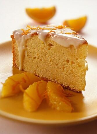APPELSINKAKE: Saftig kake med appelsin og gulrot. Foto: Matprat.no.