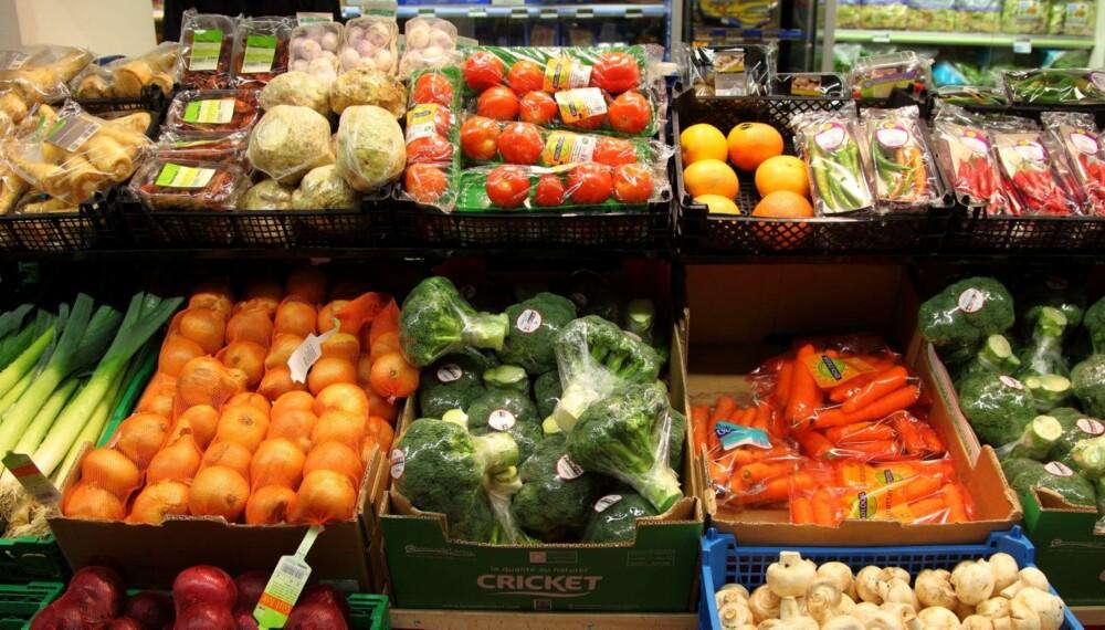 SJEKK PRISENE: Det er store forskjeller på frukt og grønt-priser, viser Klikks prissjekk.