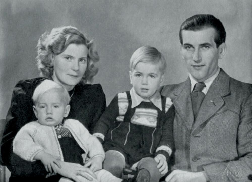 FIN FAMILIE: Else og Erich med sønnene Reidar og Arne i Tyskland i 1949, noen år før Rose ble født.