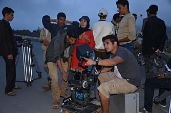 STREVSOMT: Khadija fotografert under innspillingen. Innspillingen foregikk i Jemen og var særs utfordrende.