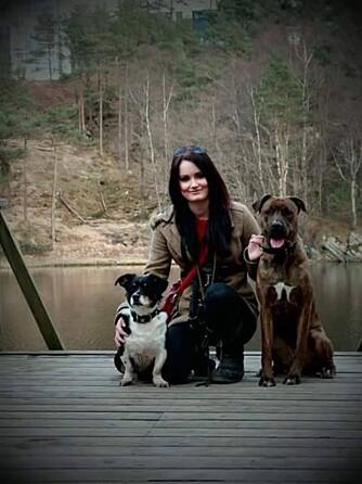CHRISTINA VESTGÅRD: Trener hunder på fritiden og føler at hobbyen hjelper henne i å få bedre selvtilllit på jobb.