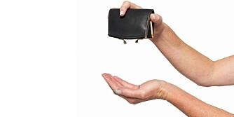 TOMT?: I følge standardbudsjettet til SIFO, skal en kvinne mellom 20-30 år klare seg på 7.370 kroner i måneden,etter utgifter til bolig og strøm. Satsen er cirka 300 kroner høyere for menn.