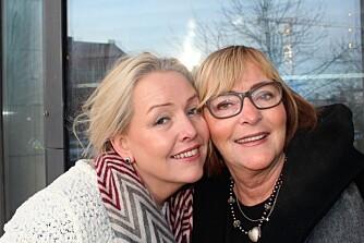 SØSKENKJÆRLIGHET: Nora Pettersen (t.v.) og Inger Jenny Sørensen er søstre, men fikk ikke lov til å bli kjent med hverandre før de ble voksne.