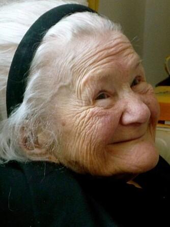 HELT: Den lille kvinnen med det store hjertet. Her er Irena 91 år.