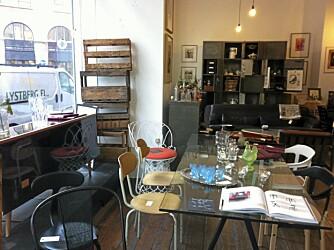 BEAU MARCHÉ: Interiørforretningen Beau Marché har en blanding av gamle og nye ting.