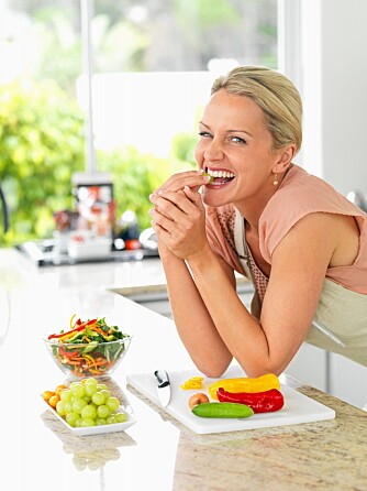DET DU TRENGER: - Frukt og bær inneholder generelt stoffer som bidrar til et godt blodtrykk, sier Tina Hamelten.