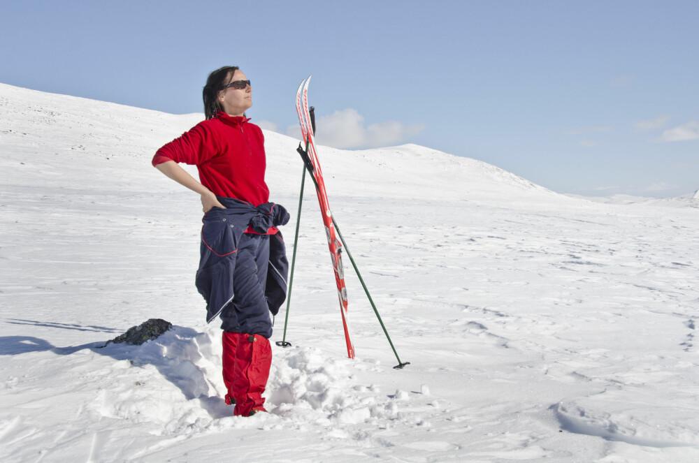 BRUK SOLKREM: Det er viktig å smøre seg med solkrem på fjellet. Også når det ikke er sol.