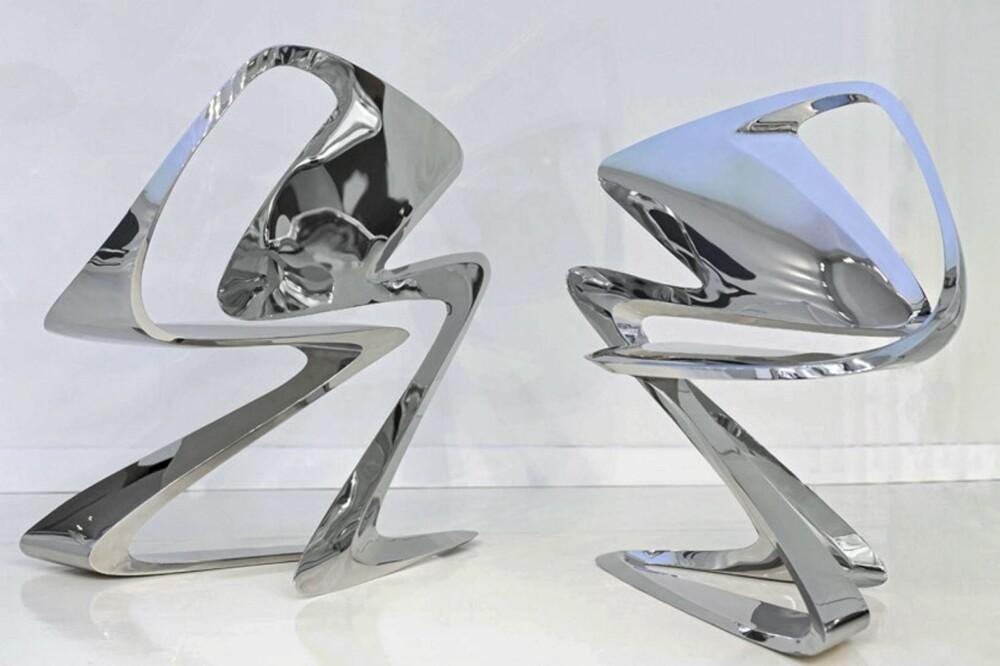 ABSTRAKT OBJEKT: Z-Chair er designet av den irakiske arkitekten Zaha Hadid for Sawaya & Moroni.