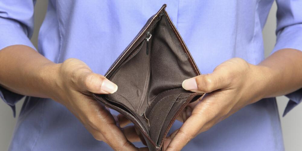 UNNGÅ DETTE: «Jeg skjønner ikke hvor pengene blir av» er et spørsmål mange stiller seg. Her er noen av de vanligste årsakene til hvorfor du ikke klarer å spare.