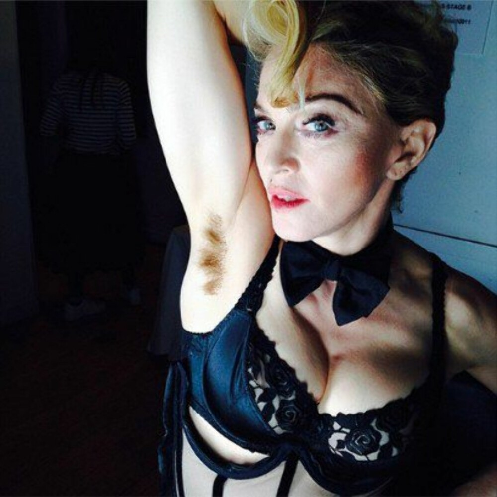 MADONNA: Long hair...Don't care, skrev Madonna da hun la ut dette bildet på Instagram.