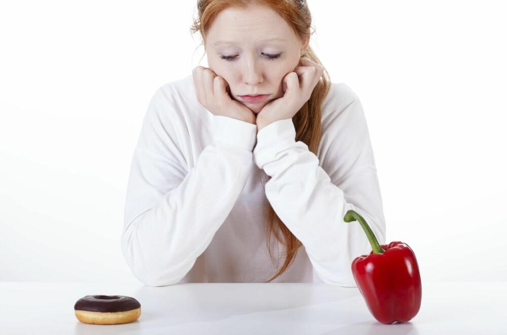ADVARER: Ekspertene advarer mot å ha et for anstrengt forhold til hva du spiser. FOTO: Thinkstockphotos.