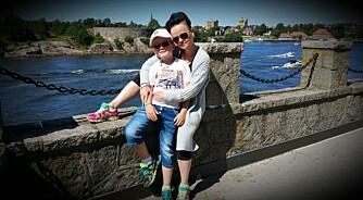 PÅ TUR: Anette og sønnen Marcus.