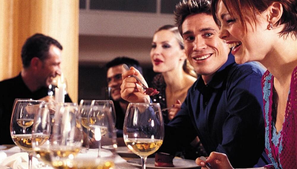 KOMPLIMENT: Mennesker som spanderer genuine komplimenter er blant de best likte i verden, mener eksperten.