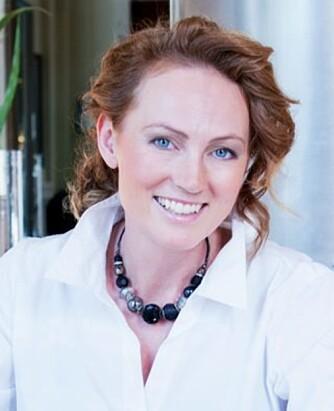 - Utadvendte mennesker med mye energi og entusiasme gestikulerer mer enn innadvendte, mener Anne Karin Nordskag, daglig leder i Krystallklart budskap AS. FOTO: Siri Nordberg.