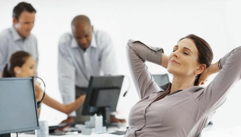 PÅVIRKER SELVTILLITEN: Et åpent kroppsspråk vil påvirke selvtilliten siden kroppen produserer mer testosteron og reduserer mengden av stresshormonet kortisol.