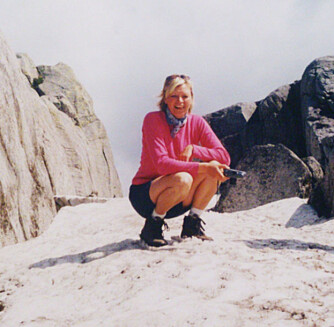 GLAD I FRILUFTSLIV: Anne på Kjerag.