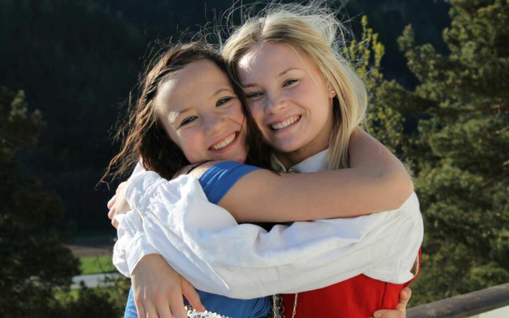 ANNES TO DØTRE I DAG: Linne og Trine har et godt forhold til moren sin.