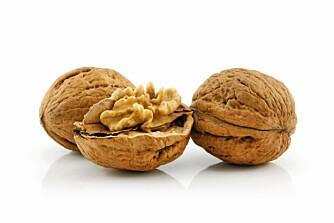 NÆRING: Valnøtter er rike på vegetabilsk omega-3, mandler er rike på kalsium og maccedemia hevdes å være mest slankende. Det absolutt viktigste er å styre unna saltede nøtter.