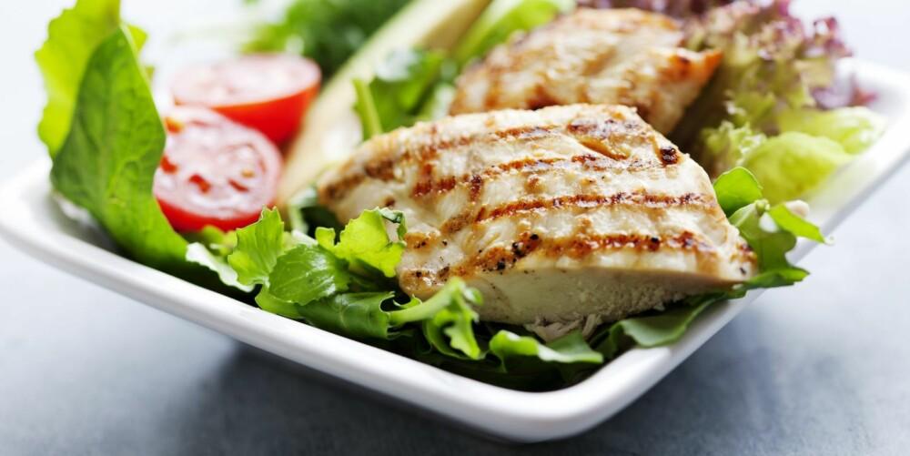 PROTEINMAT: Kylling og masse grønnsaker er supert på fastedagene i 5:2 dietten.