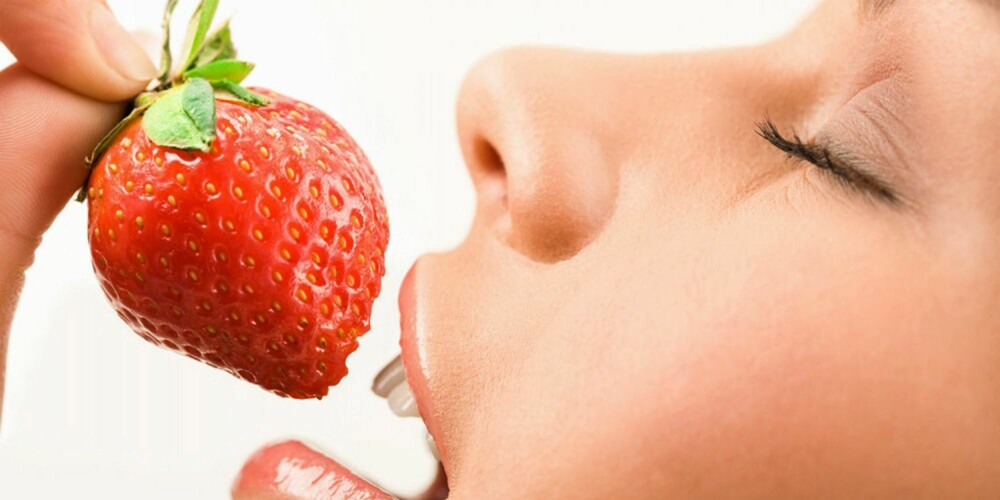 JORDBÆR: Frukt og bær med knallfarger beskytter huden og gjør den vakrere med sitt innhold av blant annet antioksidanter.