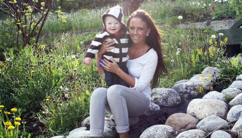 Cathrine Holtlien sammen med sønnen Daniel. FOTO: Privat.