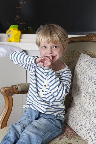 ELSKER LIVET: Tobias er i dag en gutt som elsker livet.