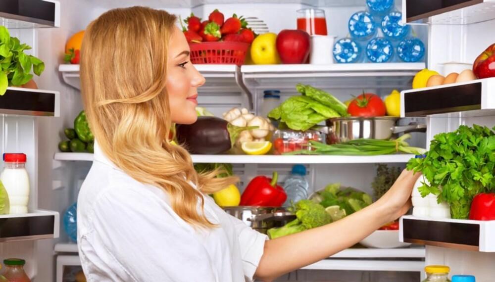 SUNT OG RIMELIG: Det skal ikke de største endringene til i dine vaner før du har et kjøleskap fylt med sunne råvarer som også gjør at du kan lage rimeligere måltider.