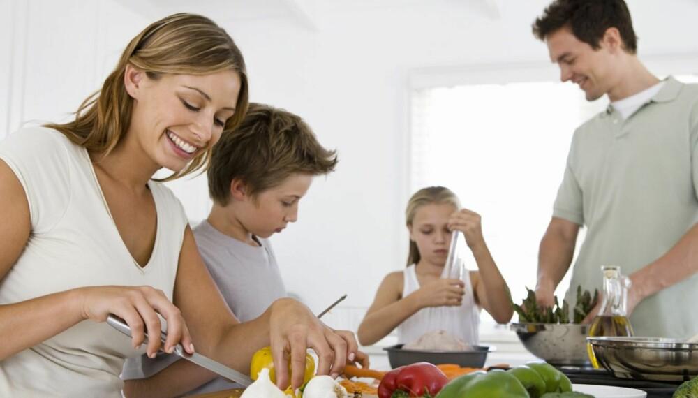 RESTEMAT ER GOD MAT: Lag litt mer til middag, og planlegg hva du kan bruke restene til dagen etter. Da sparer du både tid og penger!