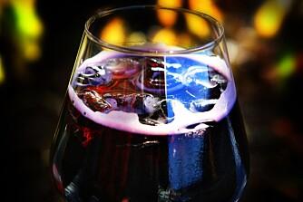 RØDVIN OG COLA: Joda, det er en drink ved navn Calimocho, og eksempel på én måte å lære seg å like rødvin. Begynn med 50/50 av begge ingrediensene.