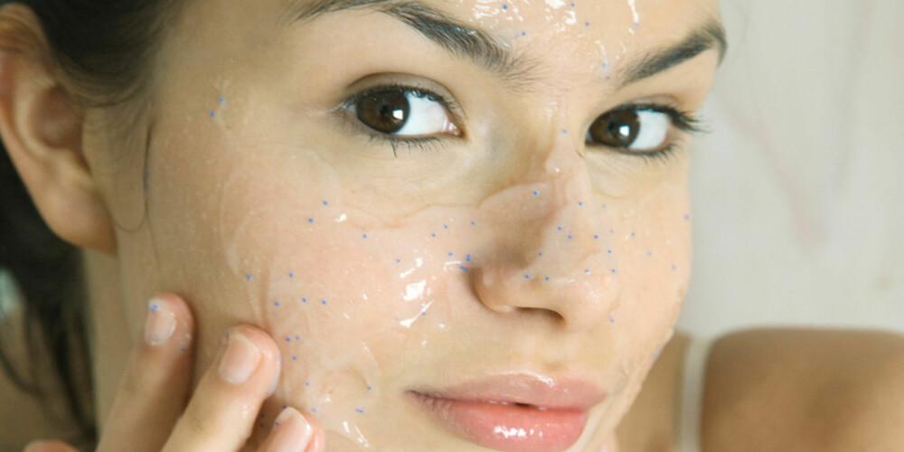 PEELING: For å minske kvisene kan du peele huden din. Illustrasjonsfoto: COLOURBOX