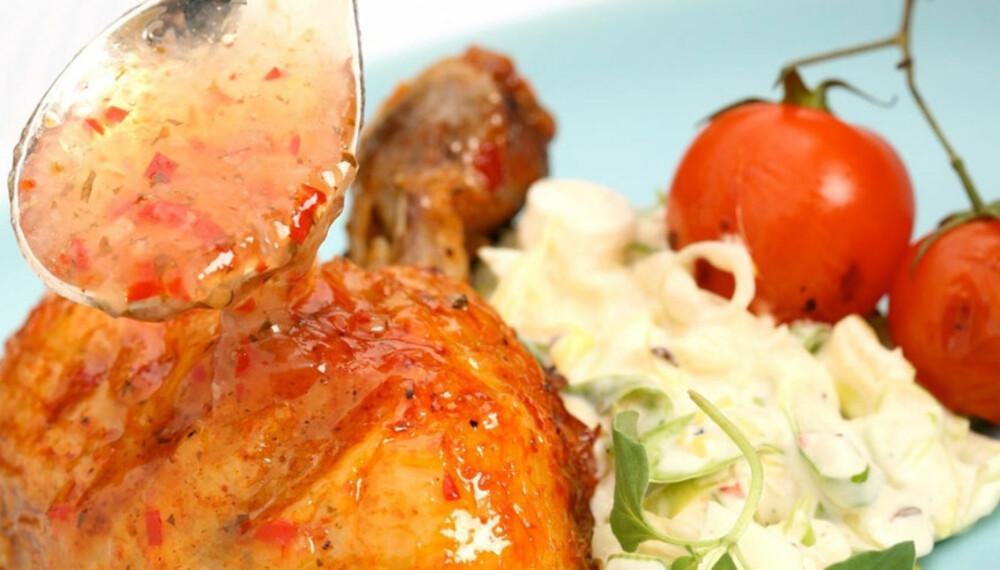 Dagens rett: Kyllingklubber med rabarbraglaze og chilicoleslaw