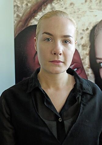 NATURLIG: Makeupartist Zenia Jæger har kun sminket modellen sin med foundation og lysreflekterende concealer fra Yves Saint Laurent. Det skal ikke mer til enn dette om sommeren.