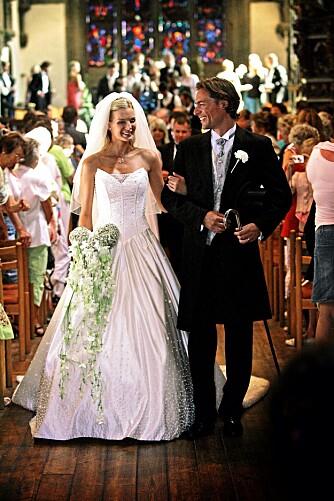 PRINSESSEDRØM: Kathrine Sørland valgte en klassisk prinsessekjole da hun giftet seg.
