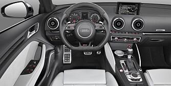 GAMMEL LØSNING: RS3 får ikke Virtual Cockpit-løsningen som i TT. FOTO: Audi