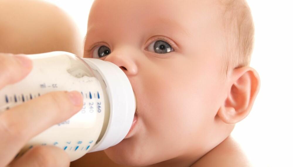 Er morsmelkerstatning nok - når gutten vår på 6 md. spiser lite fast føde? Foto: Colourbox.no