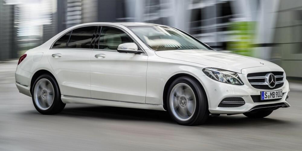 FREMAD MARS: I likhet med GLA kommer også de første versjonene av Mercedes C-klasse i mars. FOTO: Daimler AG