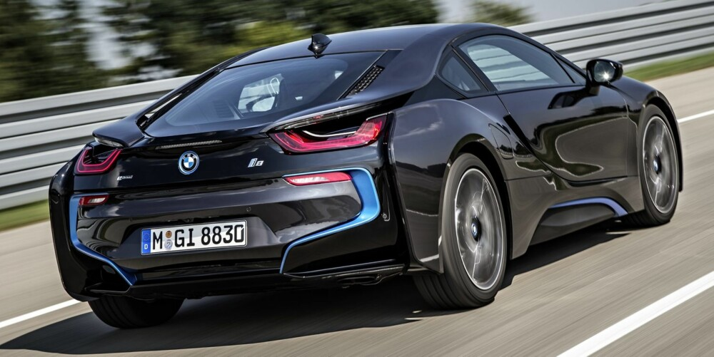 NORMAL BRUK: BMW i8 er ingen banebil. FOTO: Uwe Fischer