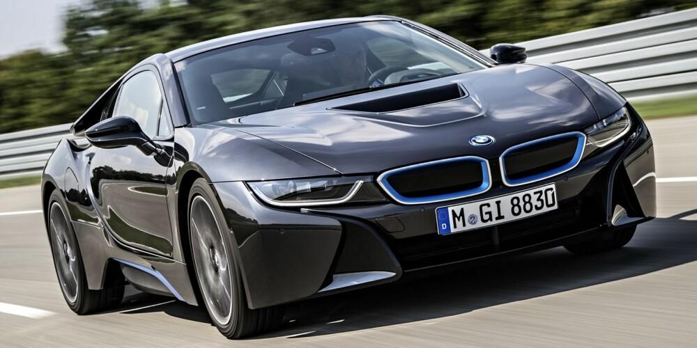 LASERUTSTYR: BMW i8 kan fås med laserlys som ekstraustyr. FOTO: BMW