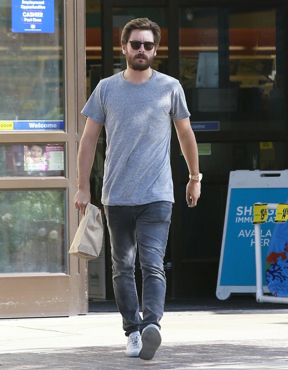 T-SKJORTEN: En enkel T-skjorte i god kvalitet bør alle menn eie.